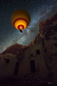 Baloon Stary Night & Cliff
